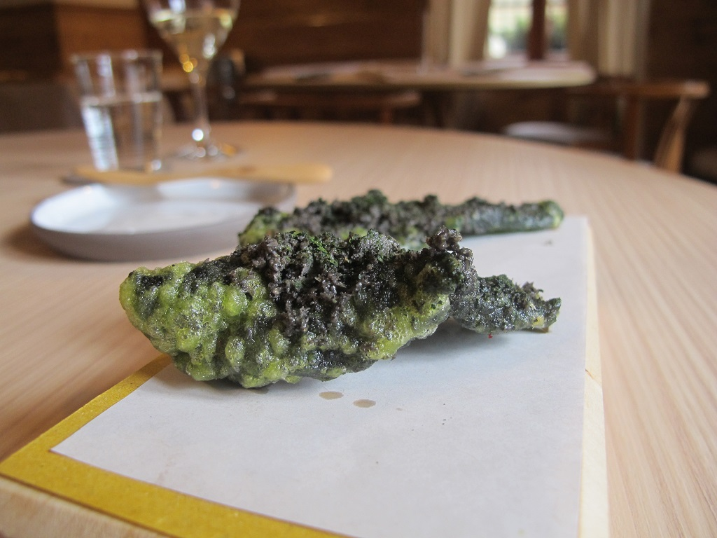 foglia di cavolo nero in tempera, AGA, Chef Oliver Piras, San Vito di Cadore