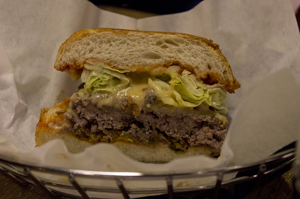 Cheesy, Blend, Hamburger Gourmet, Paris, Francia