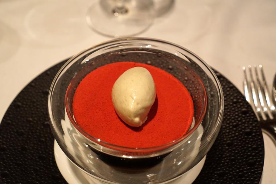 Biscotto con polvere di lampone, Hedone, Chef Mikael Jonsson, Londra