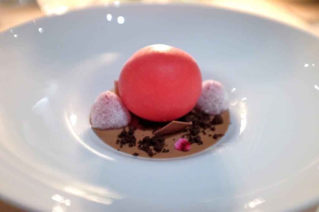 sfera di lamponi e cioccolato, La Pergola, Chef Heinz Beck, Roma