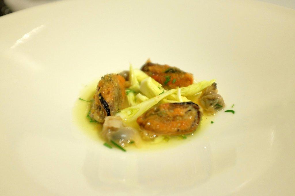Cozze farcite di cernia con zucca, Duomo, Chef Ciccio Sultano, Ragusa Ibla