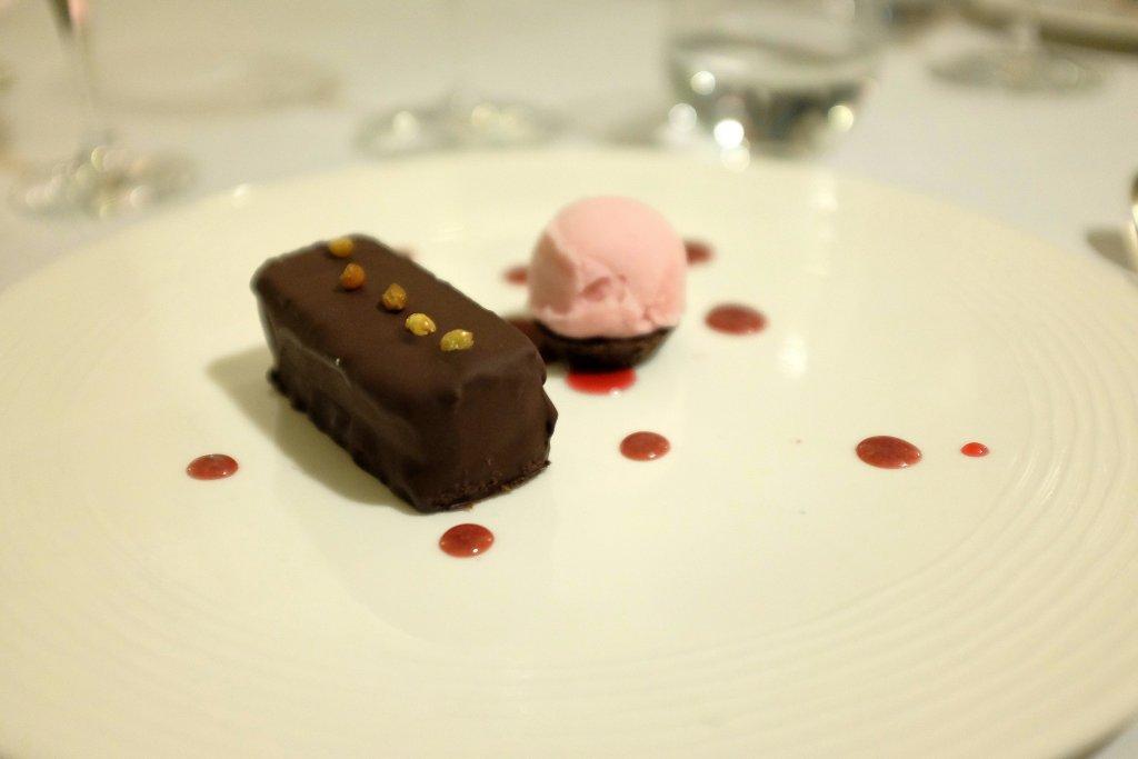 cioccolato amarena, Duomo, Chef Ciccio Sultano, Ragusa Ibla