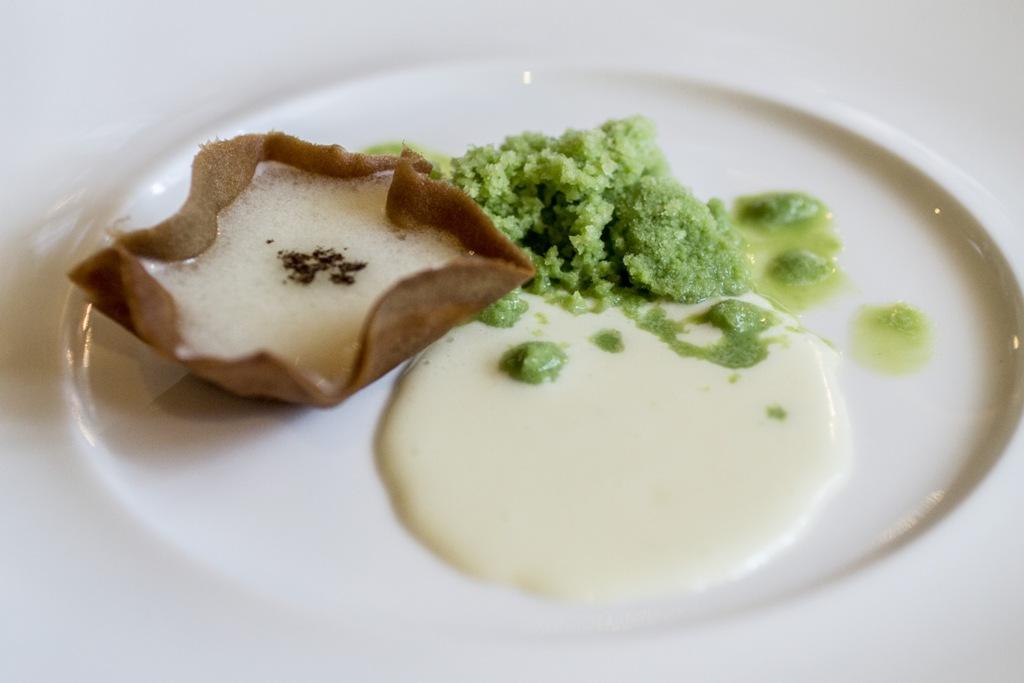 Asparagi cioccolato bianco e cedro, Acquerello, Chef Silvio Salmoiraghi, Fagnano Olona, Varese