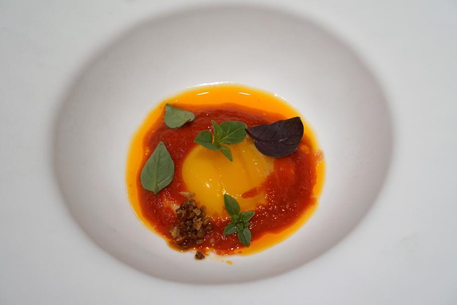 Uovo pomodoro, Piazza Duomo, Chef Enrico Crippa, Alba