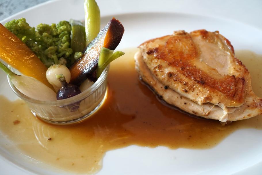 Poulet di bresse, Le Comptoir des Tontons, Chef Pepita, Beaune, Francia