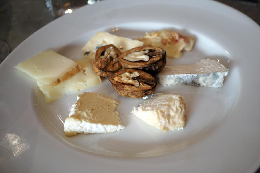 Formaggi, Le Comptoir des Tontons, Chef Pepita, Beaune, Francia