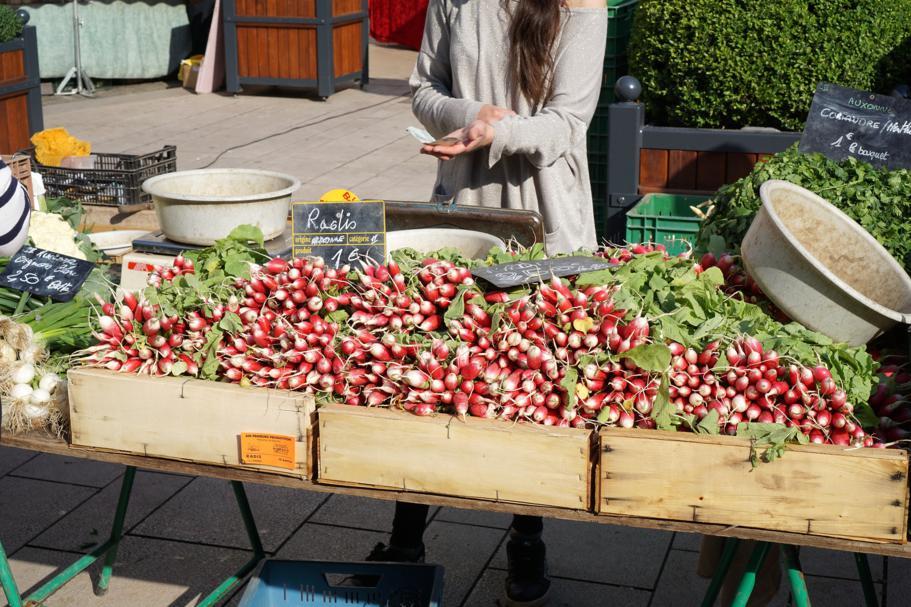 mercato, Le Comptoir des Tontons, Chef Pepita, Beaune, Francia