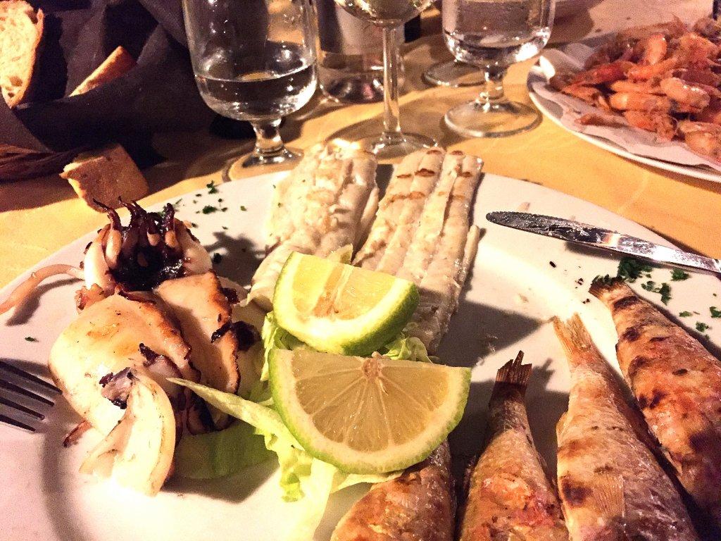Pesce arrostito, Cala del Re Trattoria, Licata, Sicilia
