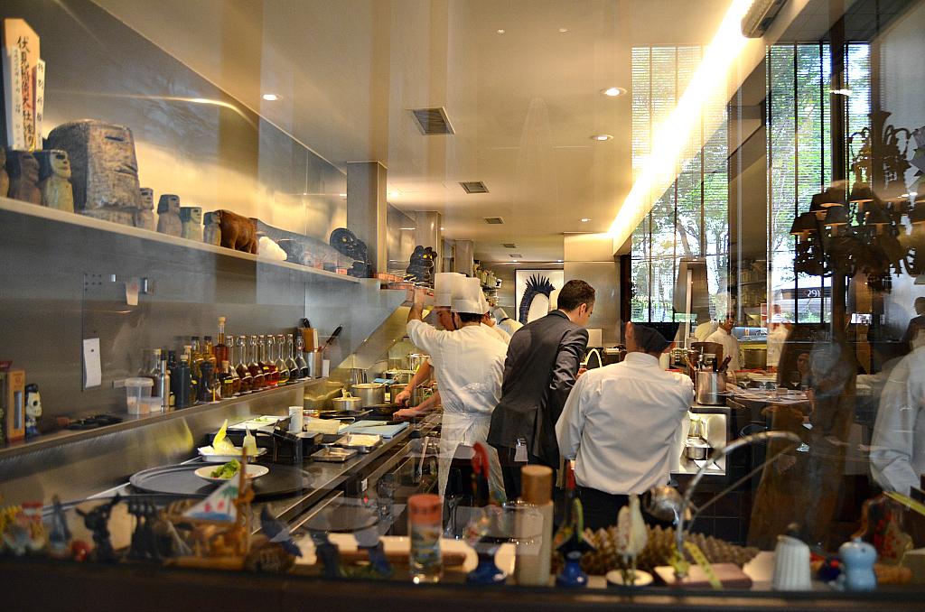 cucina a vista, D.O.M., Chef Alex Atala, Jardins São Paulo, Brasile