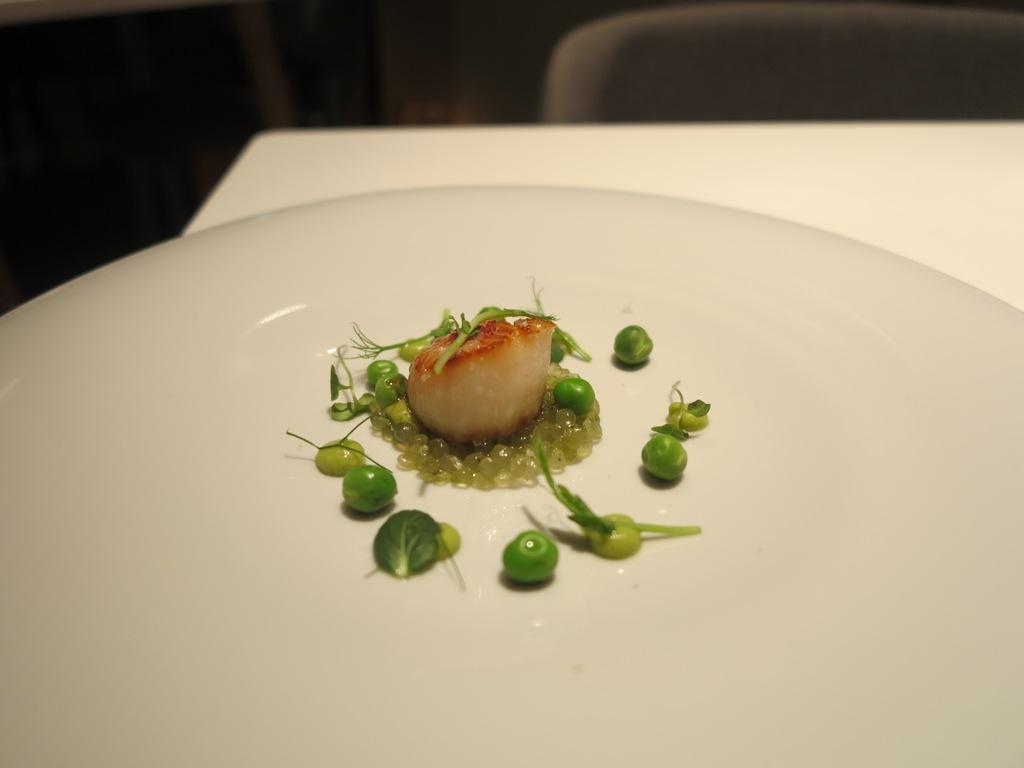 Capesante, piselli, tapioca, La Maniera di Carlo, Chef Francesco Germani, Milano
