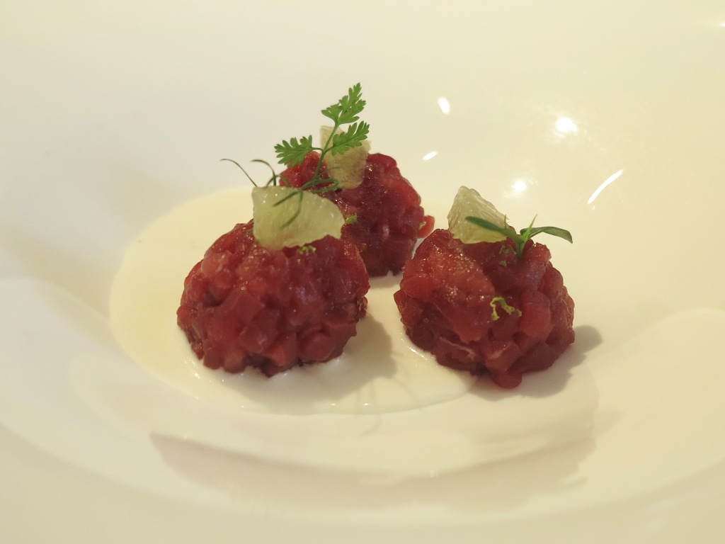 tartare di tonno, amuse bouche, Villa Crespi, Chef Antonino Cannavacciuolo, Orta San Giulio, Masterchef