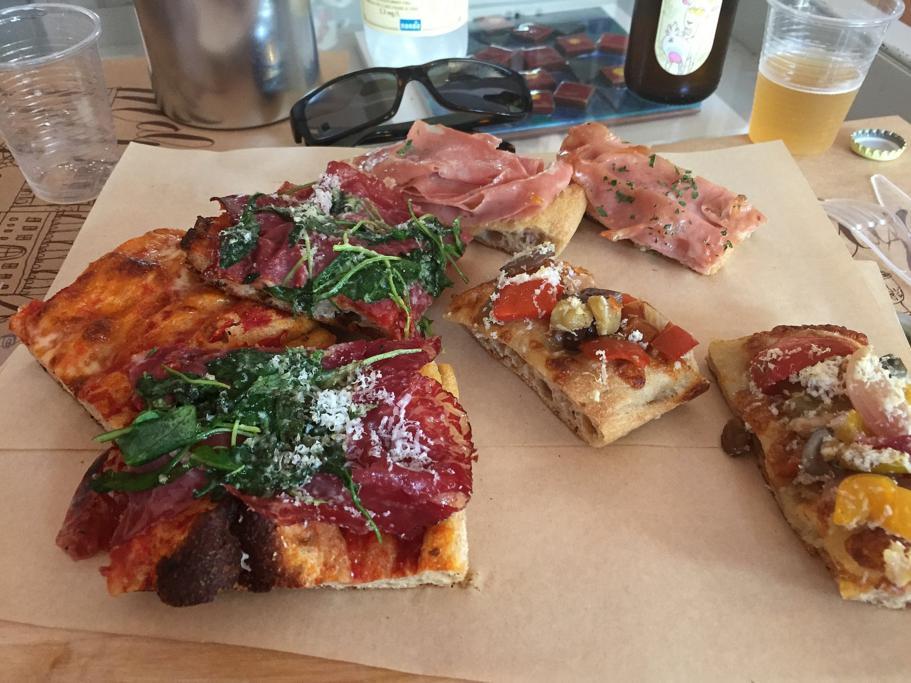 pizza, 'O Fiore Mio - Pizze di strada, Bologna