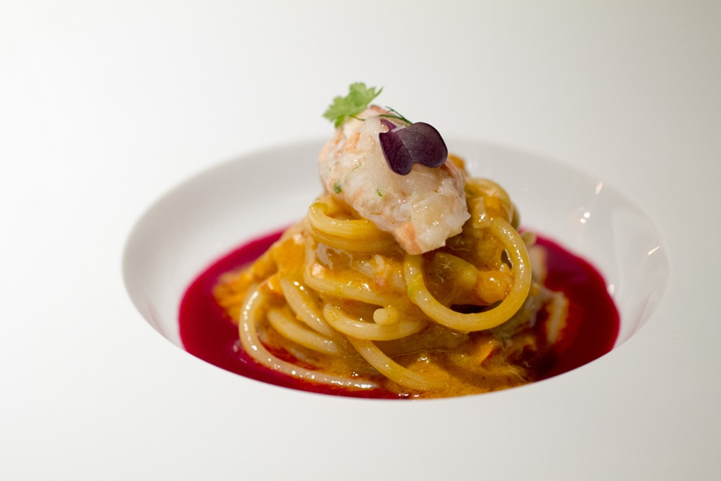 spaghetti con rape rosse, Seta, Chef Antonio Guida, Mandarin Oriental, Milano