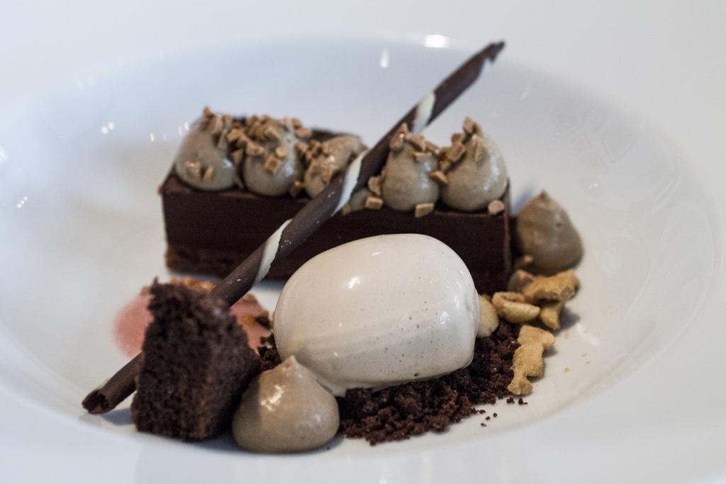 Ganache al cioccolato, Borkonyha Winekitchen, Chef Sárözi Akos, Budapest, Ungheria