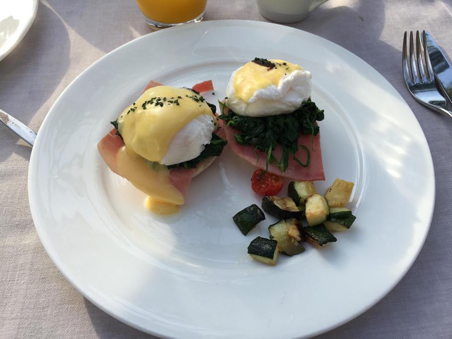 uova alla benedict, Hotel Arts Barcelona, The Ritz-Carlton, Barcellona