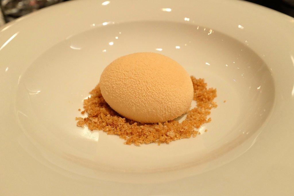 uovo cioccolato bianco, Berton, Chef Andrea Berton, Milano