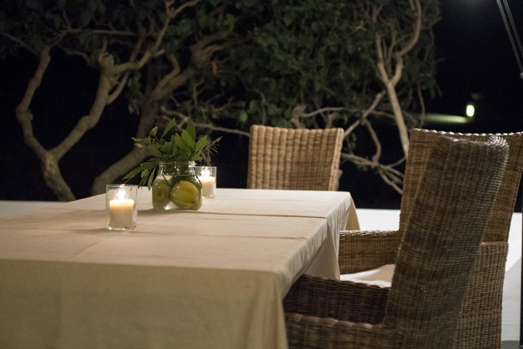 tavolo, Capofaro, Chef Ludovico De Vivo, Salina Isole Eolie