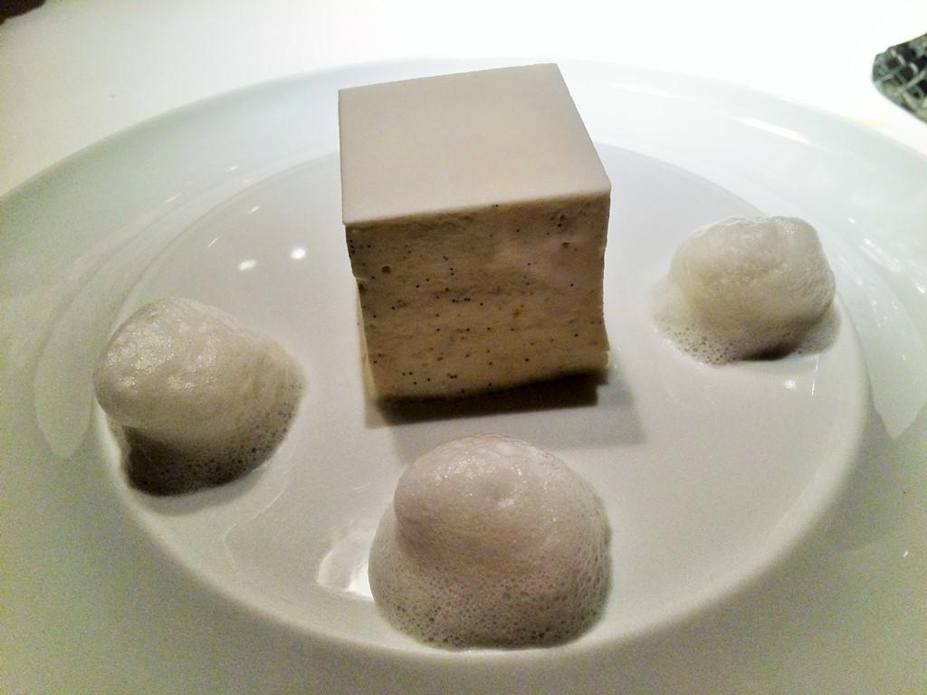 Millefoglie bianco, Anne-Sophie Pic Restaurant, Valence, Francia