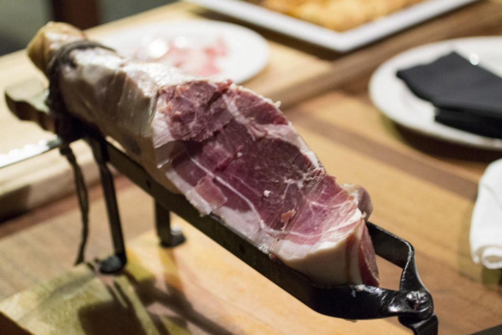 prosciutto crudo, La Tavernetta, Chef Pietro ed Emanuele Lecce, Camigliatello Silano, Calabria
