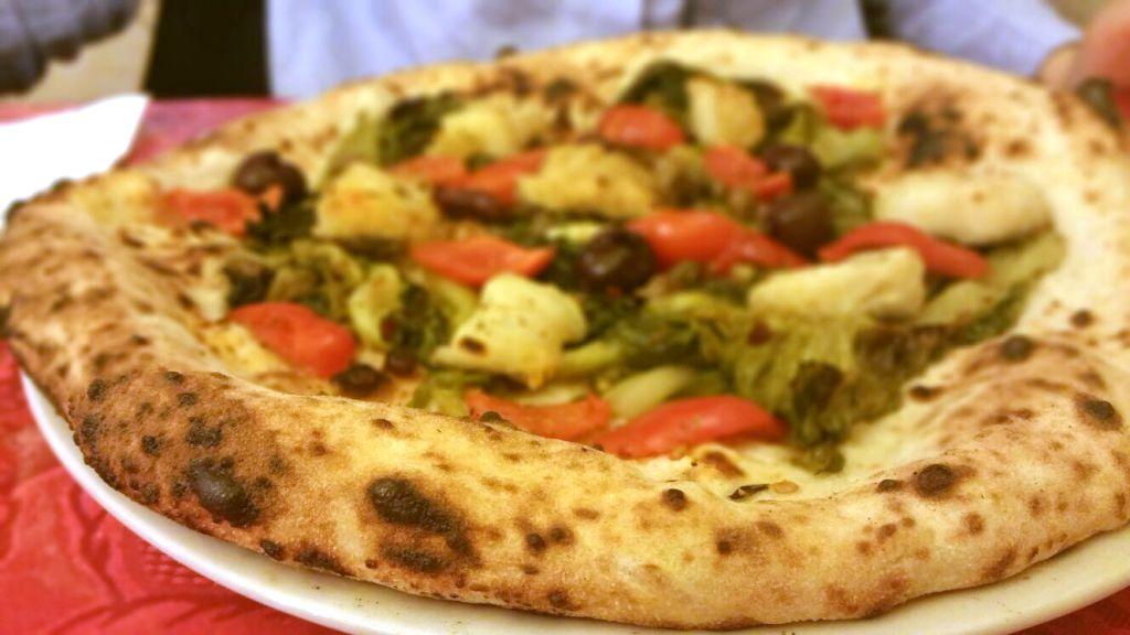 Pizza natalina, Da Attilio, Attilio Bachetti, Napoli