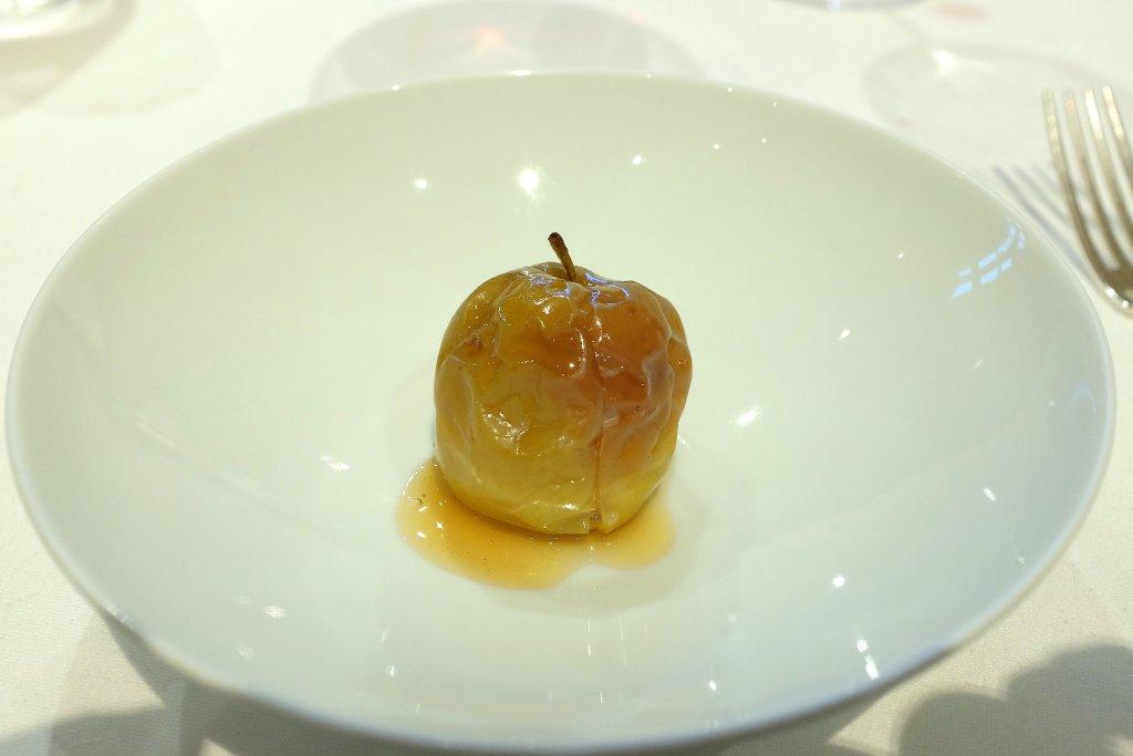 mela, Piazza Duomo, Chef Enrico Crippa, Alba