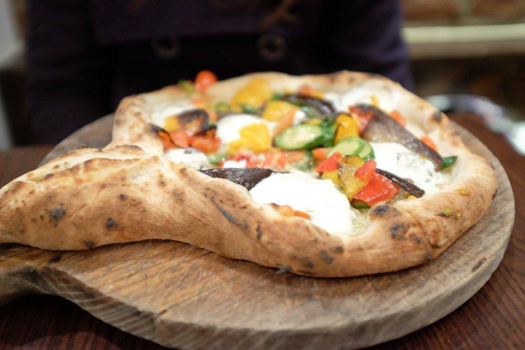 pizza racchetta, Don Antonio by Starita, New York