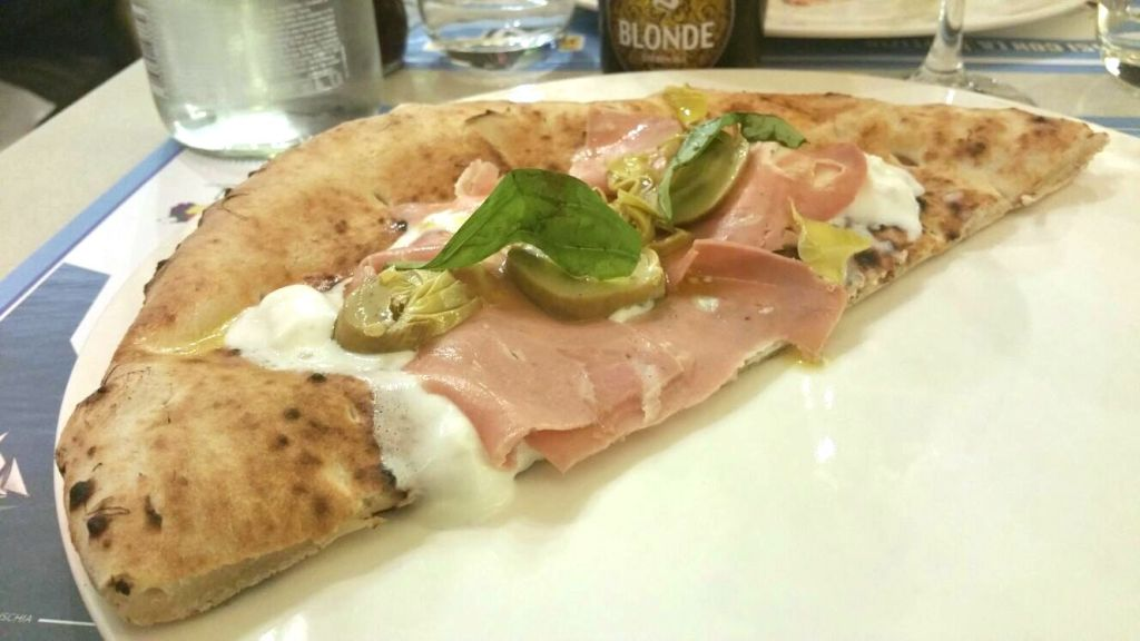 pizza con mortadella,carciofi e burrata, La Notizia 94, Enzo Coccia, Napoli