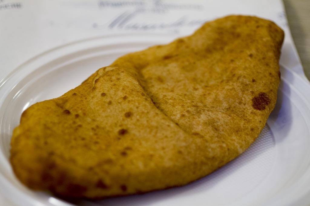 Battilocchio, pizza fritta, Pizzeria La Masardona, Enzo Piccirillo, Napoli