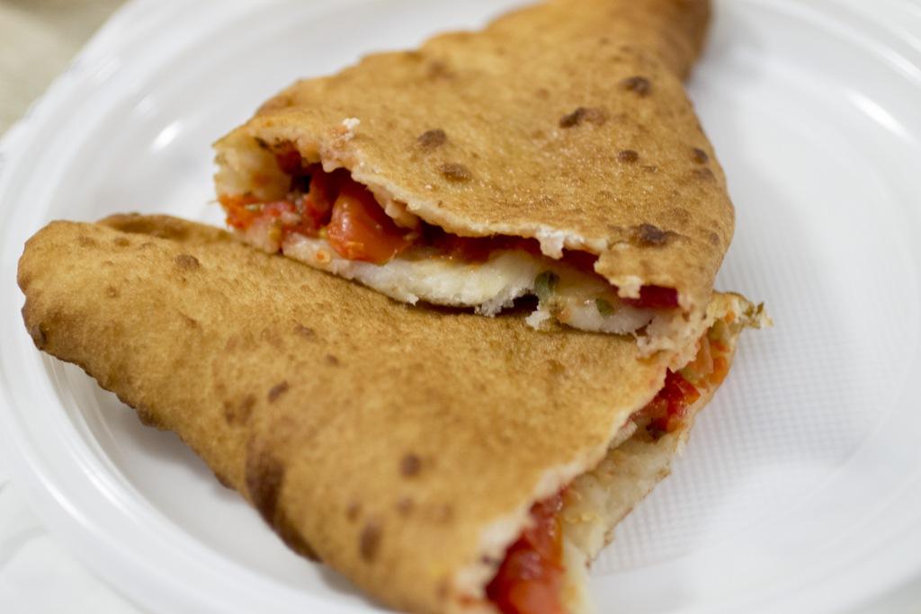 marinara, pizza fritta, Pizzeria La Masardona, Enzo Piccirillo, Napoli