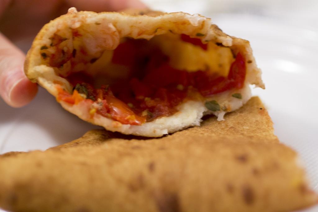 pomodoro misto, pizza fritta, Pizzeria La Masardona, Enzo Piccirillo, Napoli