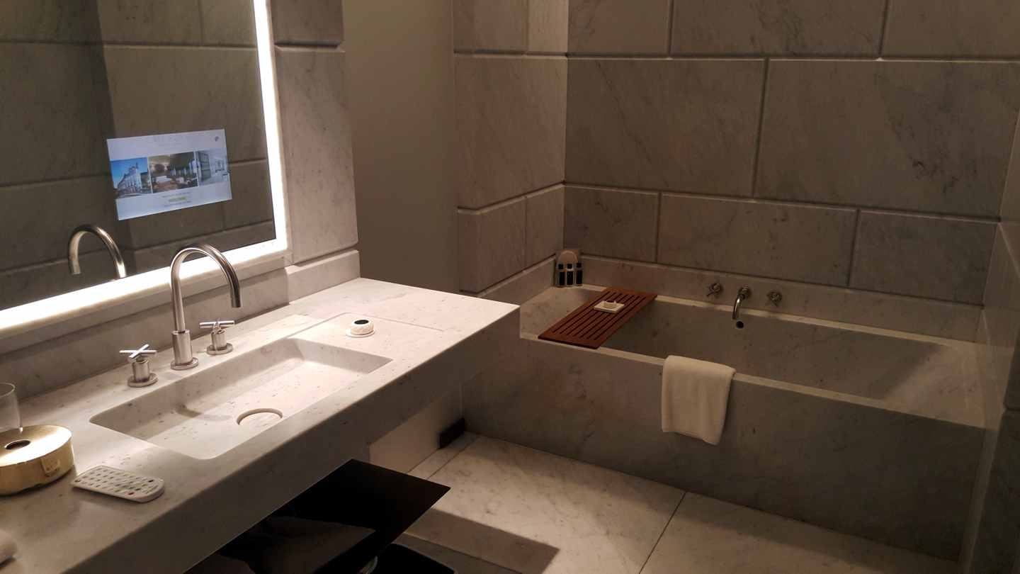 Bagno, Hotel Café Royal, London