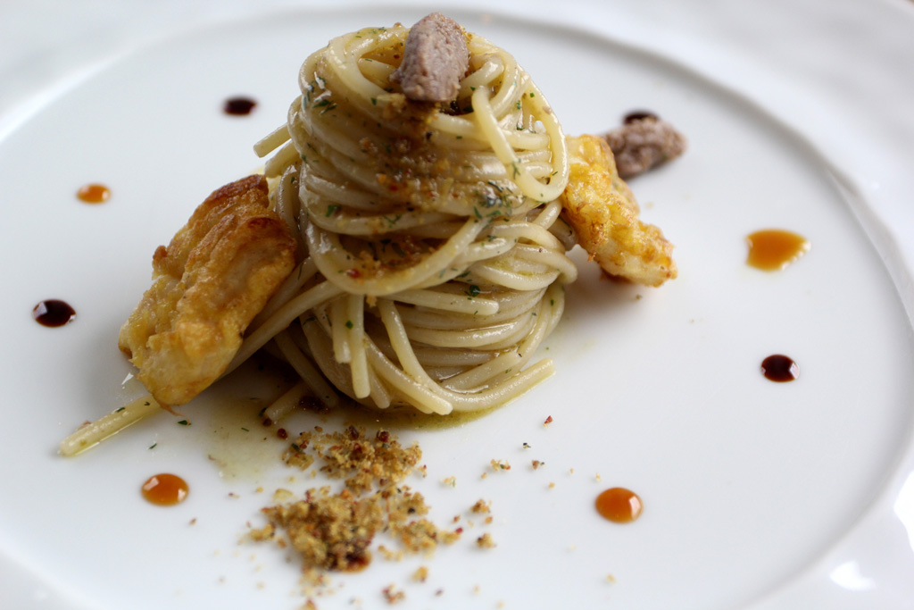 Spaghetti con colatura di alici, Torre del Saracino, Chef Gennaro Esposito, Vico Equense, Napoli