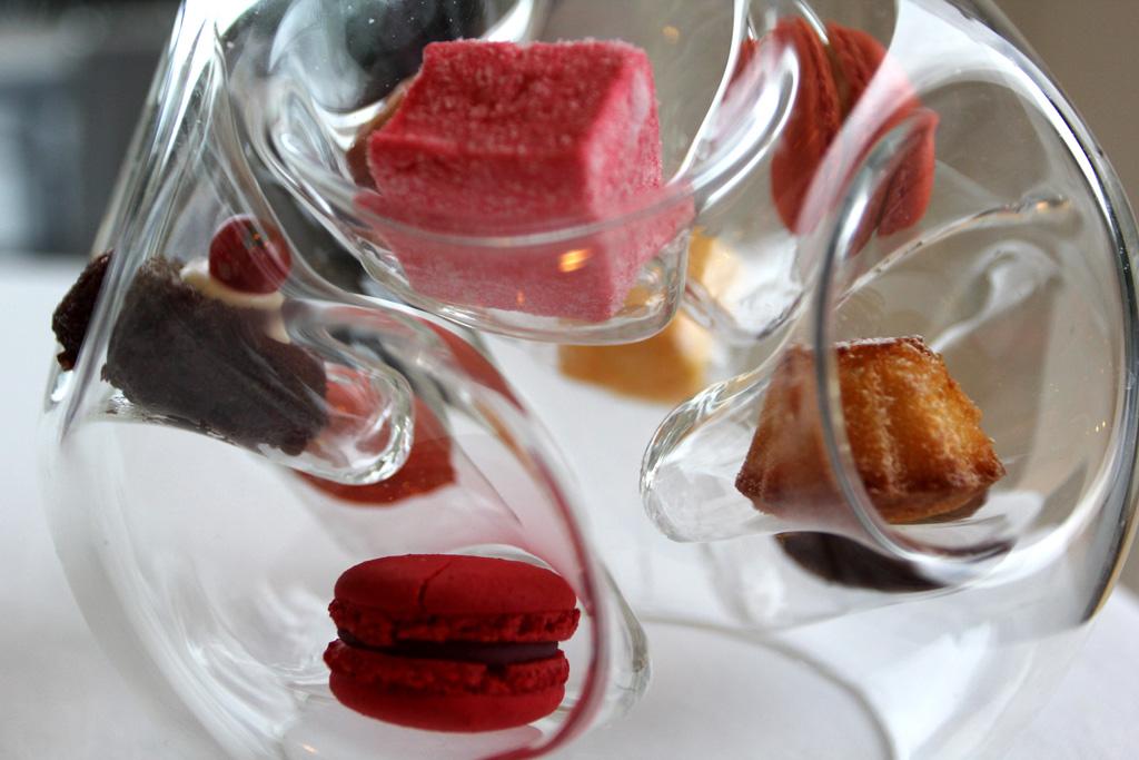 piccola pasticceria, Torre del Saracino, Chef Gennaro Esposito, Vico Equense, Napoli