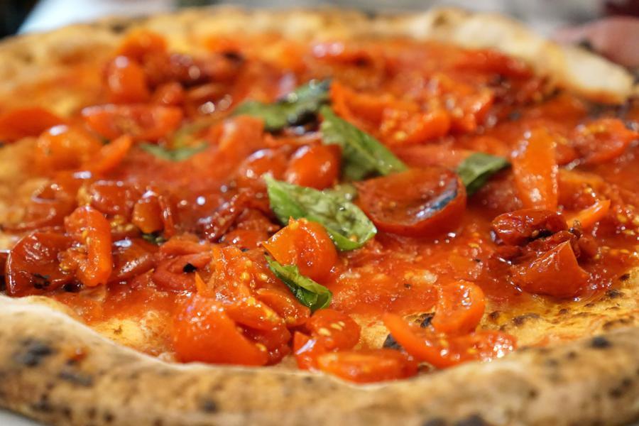 pizza al pomodoro, Pizzeria Salvo, Francesco e Salvatore Salvo, San Giorgio a Cremano, Napoli