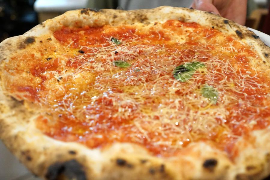 pizza cosacca, Pizzeria Salvo, Francesco e Salvatore Salvo, San Giorgio a Cremano, Napoli