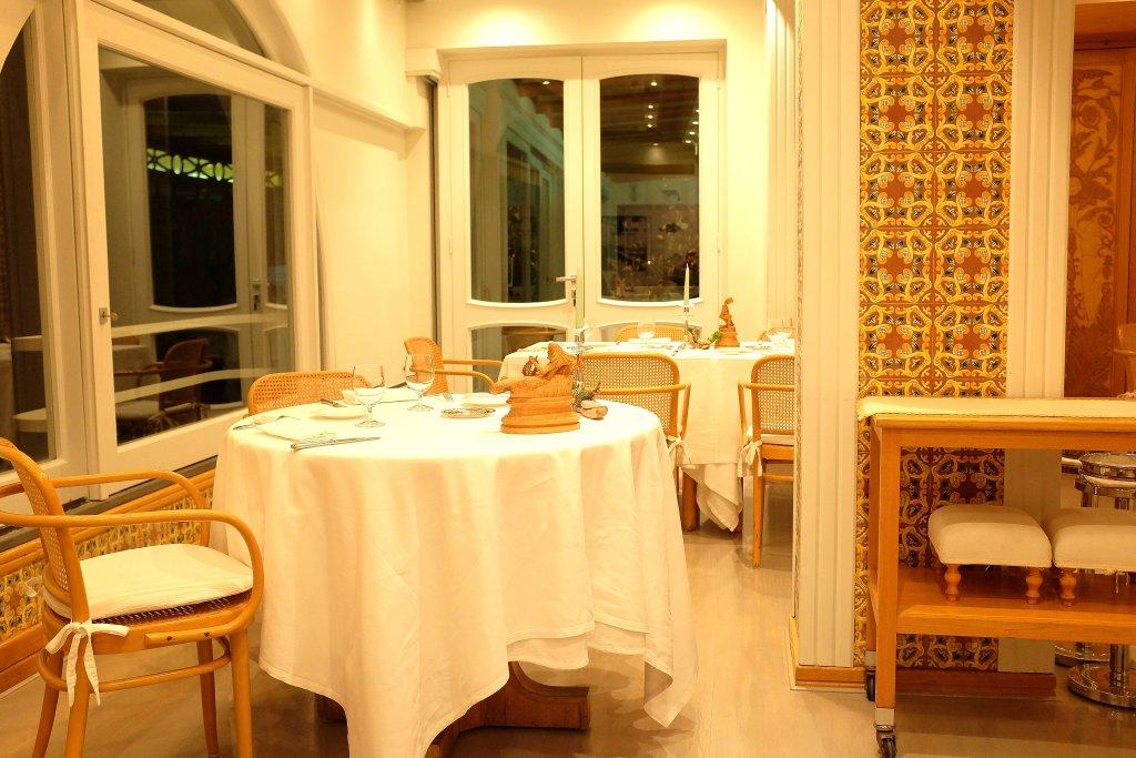 sala, Taverna del Capitano, Chef Alfonso Caputo, Nerano, Napoli