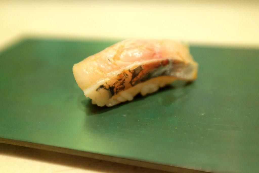 nighiri, sgombro affumicato, Sushi B, Chef Masayoshi Hanada, Paris