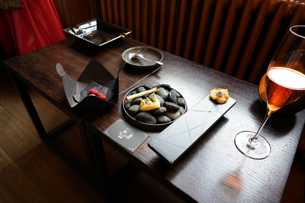 aperitivo, Schloss Schauenstein, Chef Andreas Caminada, Svizzera