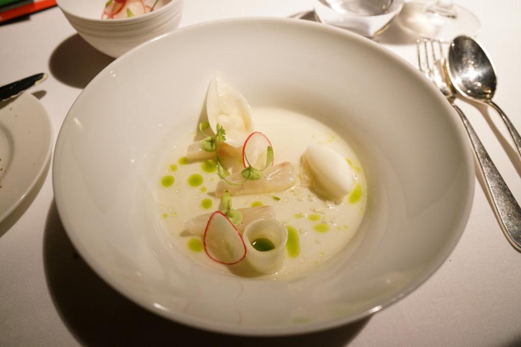 lucioperca marinato, Schloss Schauenstein, Chef Andreas Caminada, Svizzera