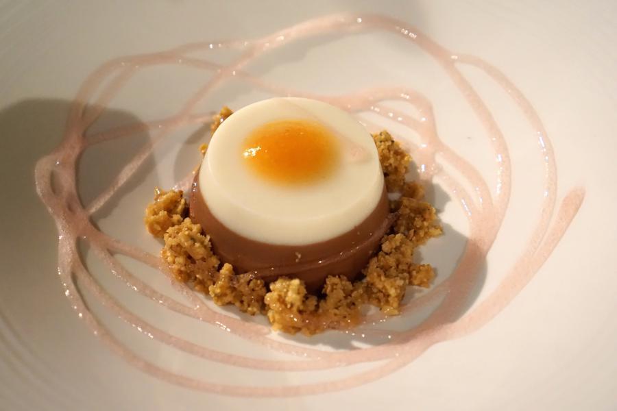 dessert, biancomangiare, Vicari, Chef Salvatore Vicari, Noto, Siracusa