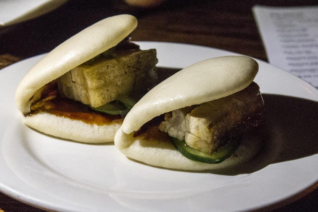 steamed buns, Momofuku Ssam Bar, Chef David Chang, Matthew Rudofker, New York