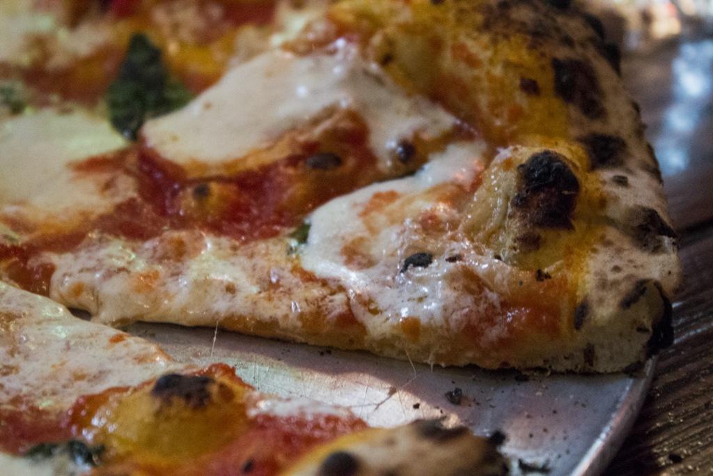 pizza, margherita, Roberta's Bakery, Brooklyn, New York