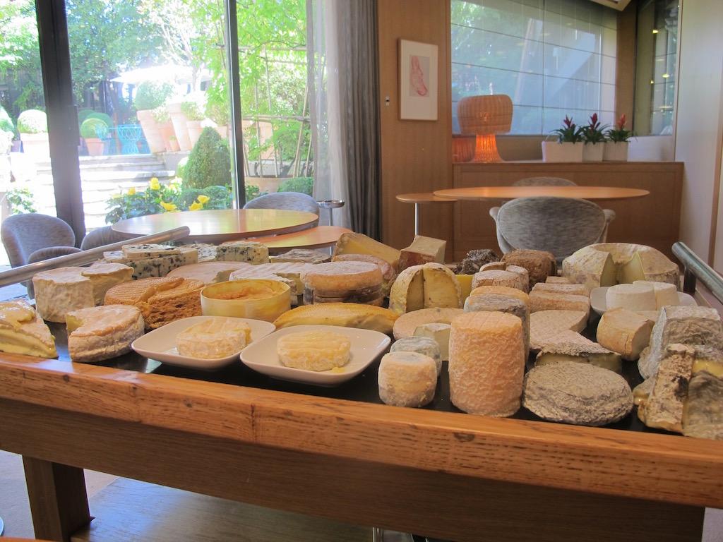 carrello die formaggi, Troisgros, Chef Michel Troisgros, César Troisgros, Roanne, France