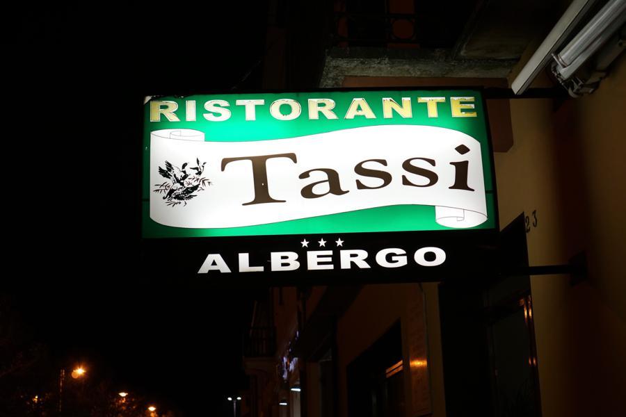 insegna, Ristorante Tassi, Bondeno, Ferrara, Emilia-Romagna
