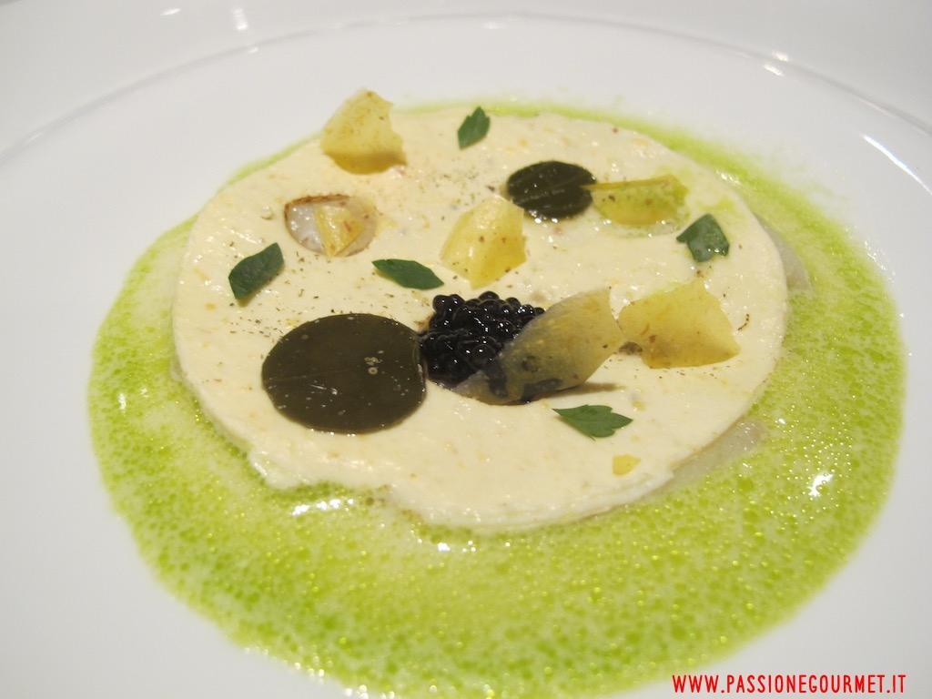 La Rei: Baccalà, polenta, caviale, acqua di cozze, prezzemolo e aceto di Arneis